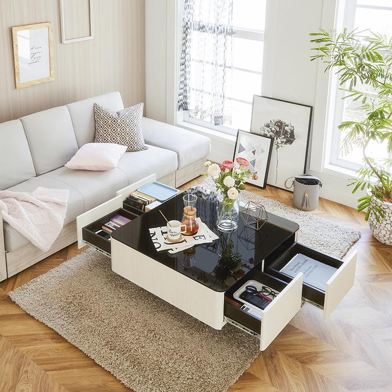 収納付きガラス天板リビングテーブル 80cm×80cm[国産] 引き出しが4杯ついているので、しっかり収納できます。
