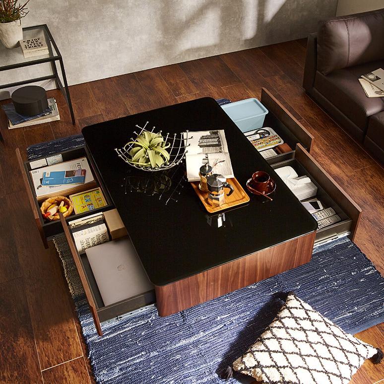 収納付きガラス天板リビングテーブル120cm×80cm[国産] 深型の引き出しが4杯ついているので、しっかり収納できます。
