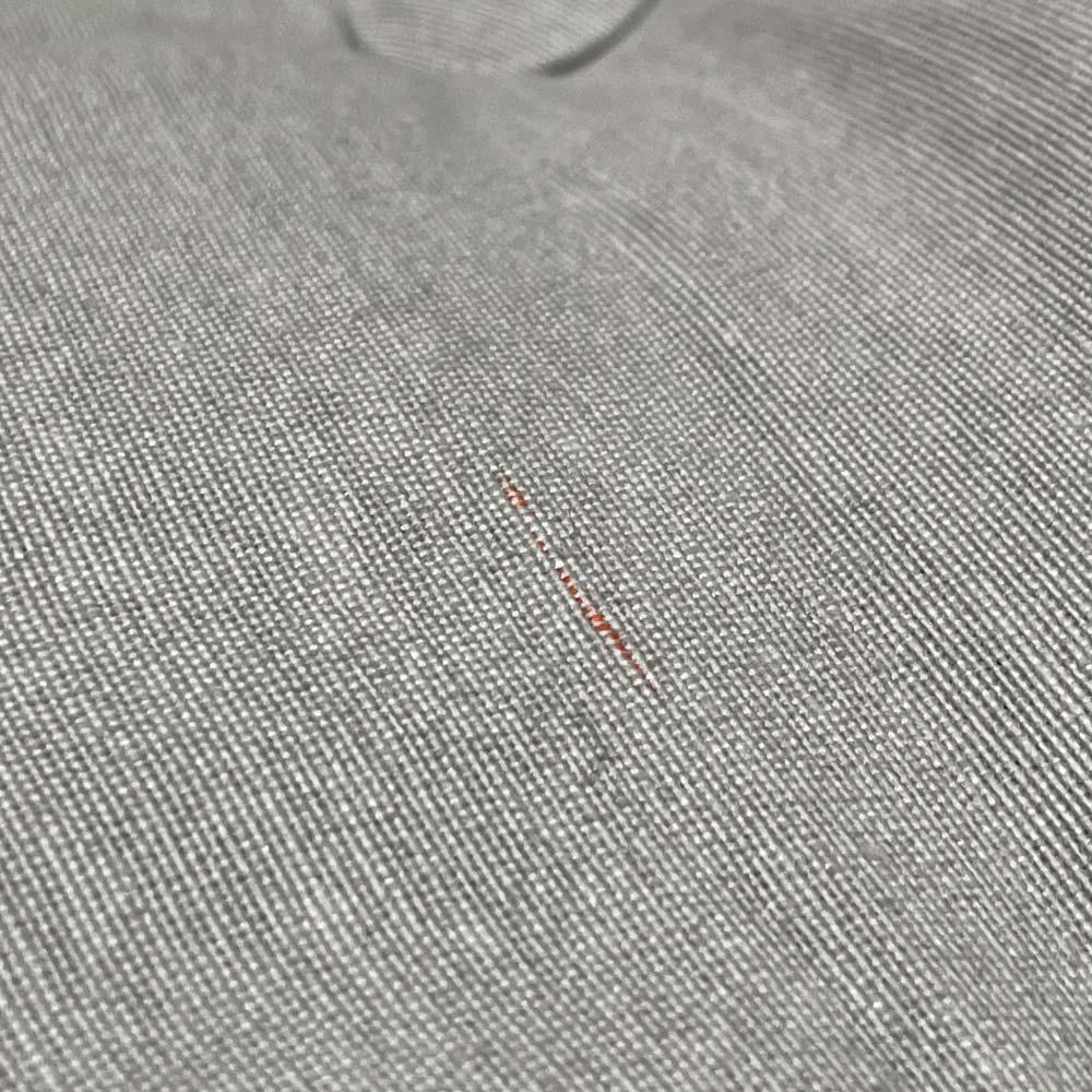 カーラップ フロアチェア Mini 商品によって生地に赤や黒の糸が混ざっている場合がございます。ご使用には問題ございませんが、予めご了承ください。