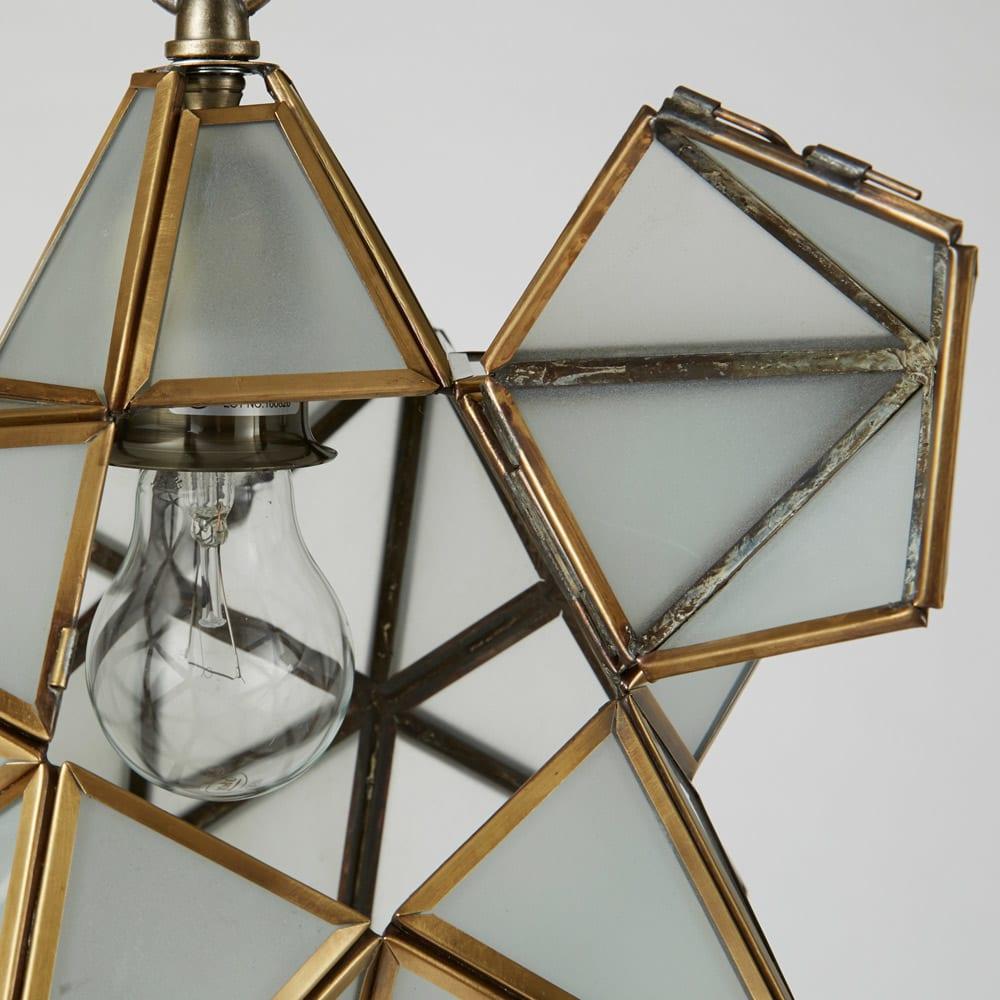 Etoile/エトワール 白熱球テーブルランプ LEDなど、お好みの電球に変えることも可能。