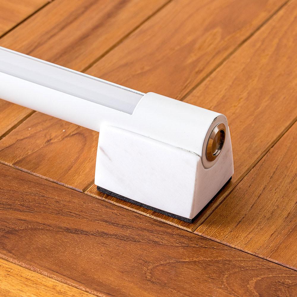 間接照明やホームシアターのライティングに!ネオマンクス LED バーライト ホワイト 天然素材のため多少風合いの異なる場合がございます。