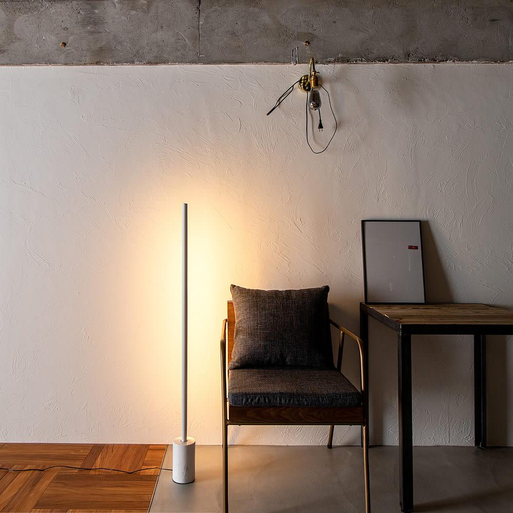ネオマンクス バーライト用 大理石スタンド (スタンドライト用ベースのみ) 使用イメージ※ライトは別売りです
