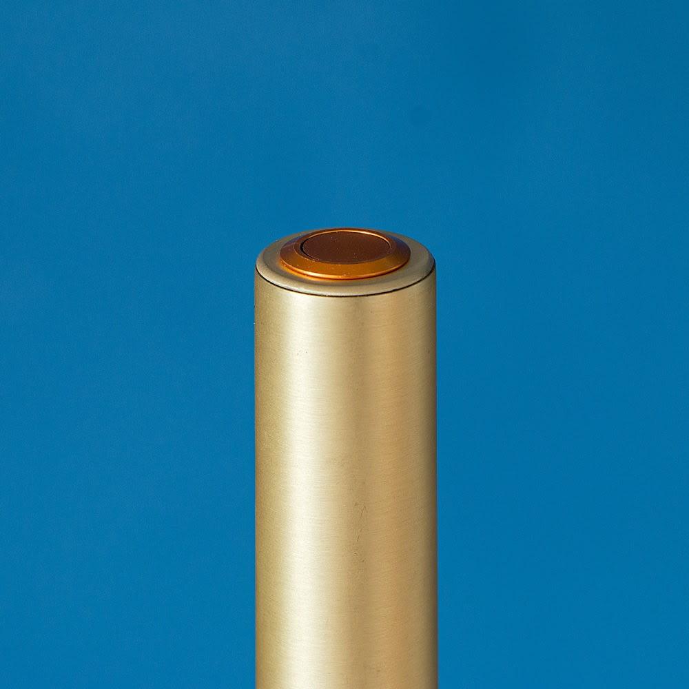 ショートマンクス LEDバーライト ブラス(真鍮) 置き場所を選ばないスタイリッシュな極細ライン。
