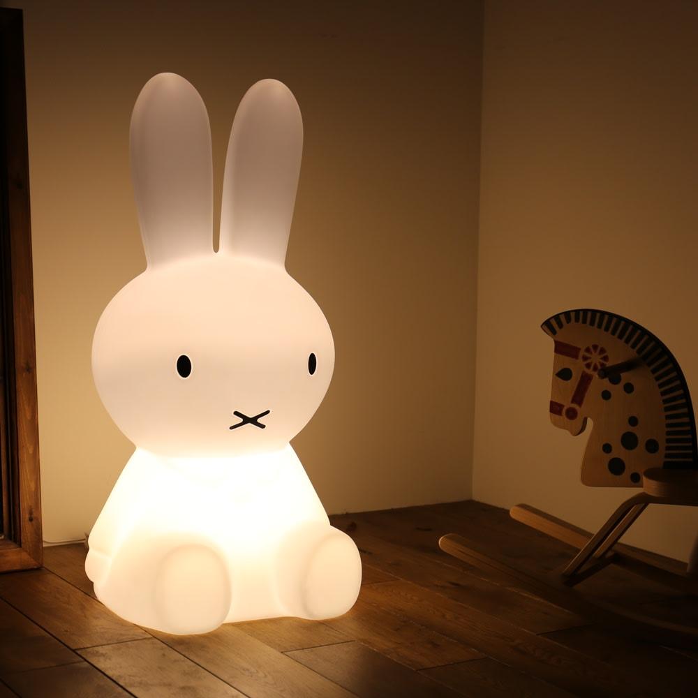 ミッフィランプXL 点灯時 お部屋のアクセントインテリアとしても。