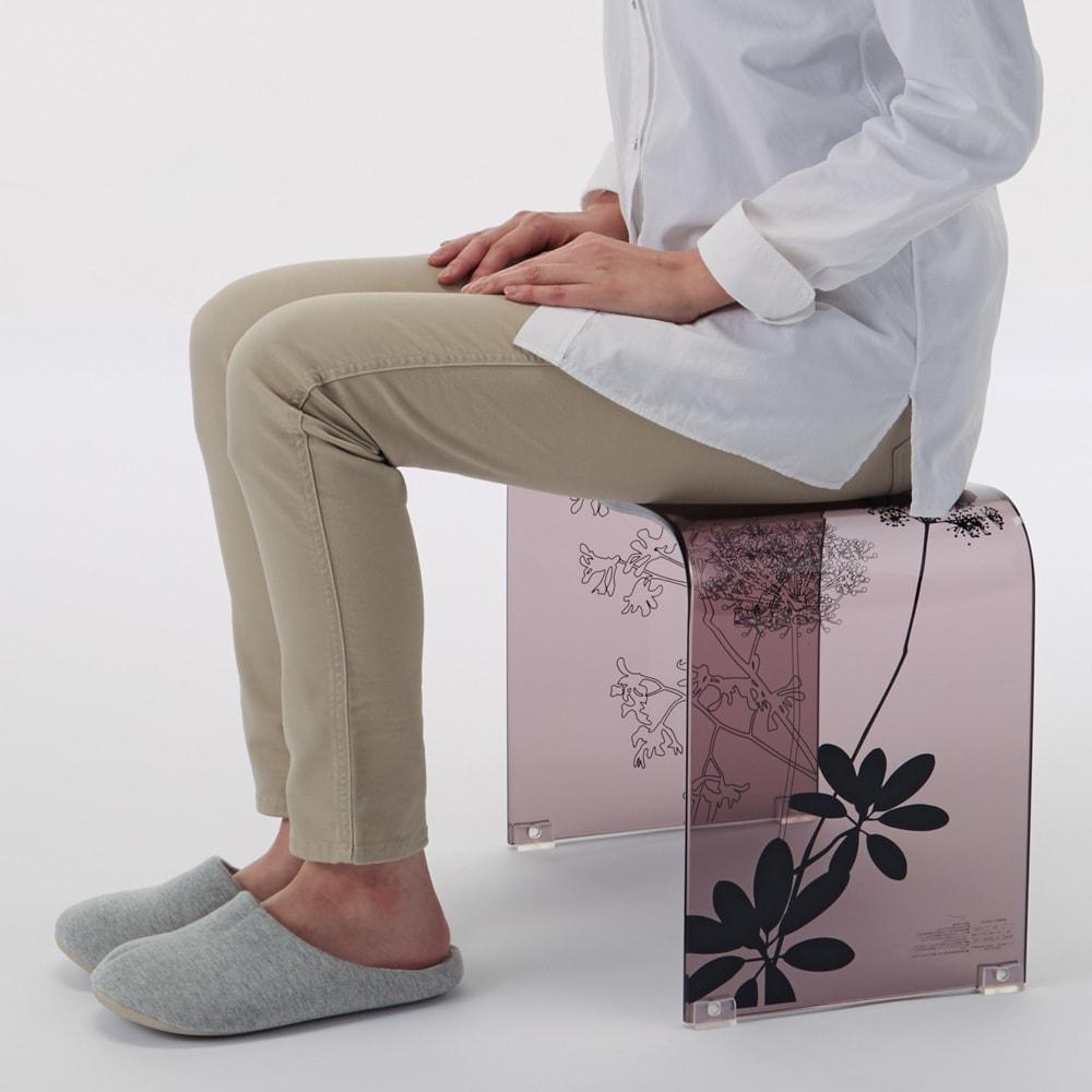 Sarina/サリナ アクリル製バスチェアLL コンパクトなMから、立ち座りのラクなLLまで。