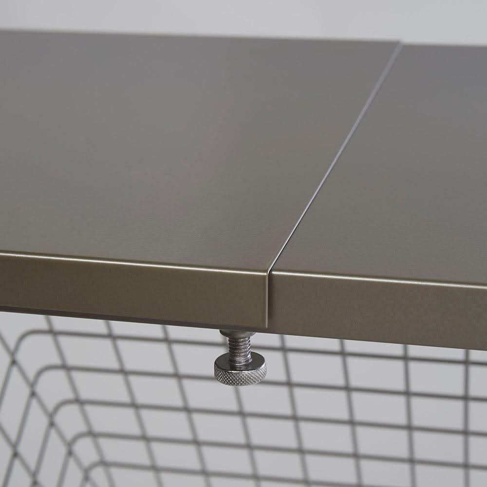 Lueurll/リュエール ニュアンスシルバーランドリー 棚2段・バスケット2段 伸縮式のスチール棚で、無駄なく収納できます。