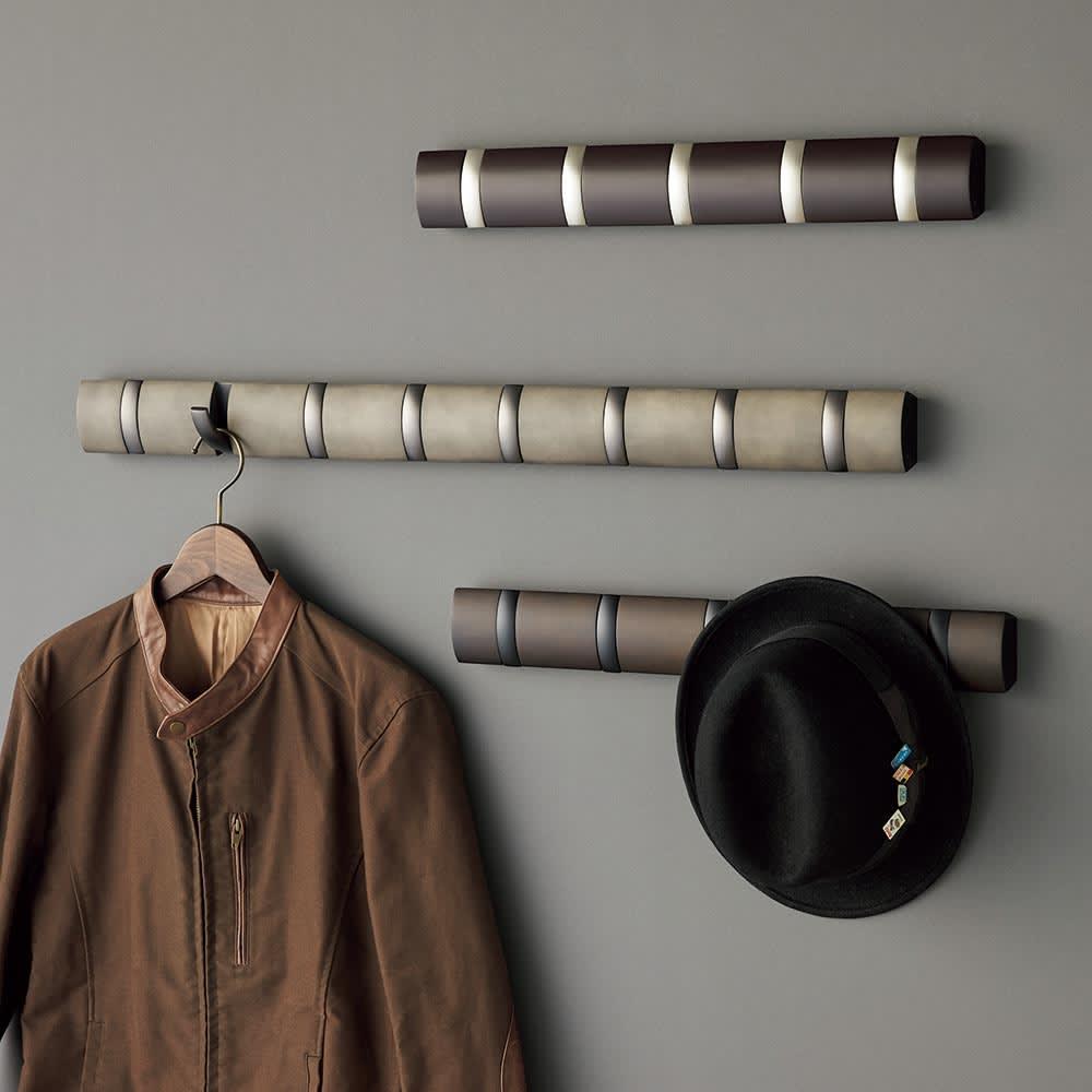 umbra/アンブラ 壁掛けハンガー フリップフック シルバーフックタイプとラグジュアリータイプをご用意しています。