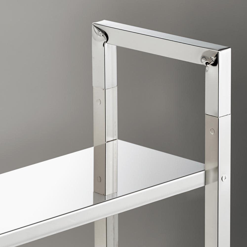 フック可動式サイクルスタンド 小物が置ける棚は、丈夫なステンレス製。