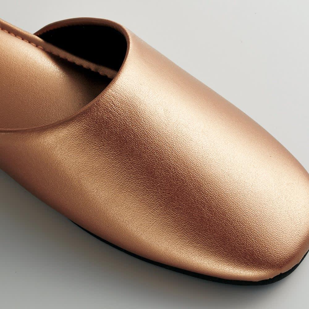スタイリッシュゲストスリッパ 同色2足組 光沢のあるレザー調で、高級感があります。
