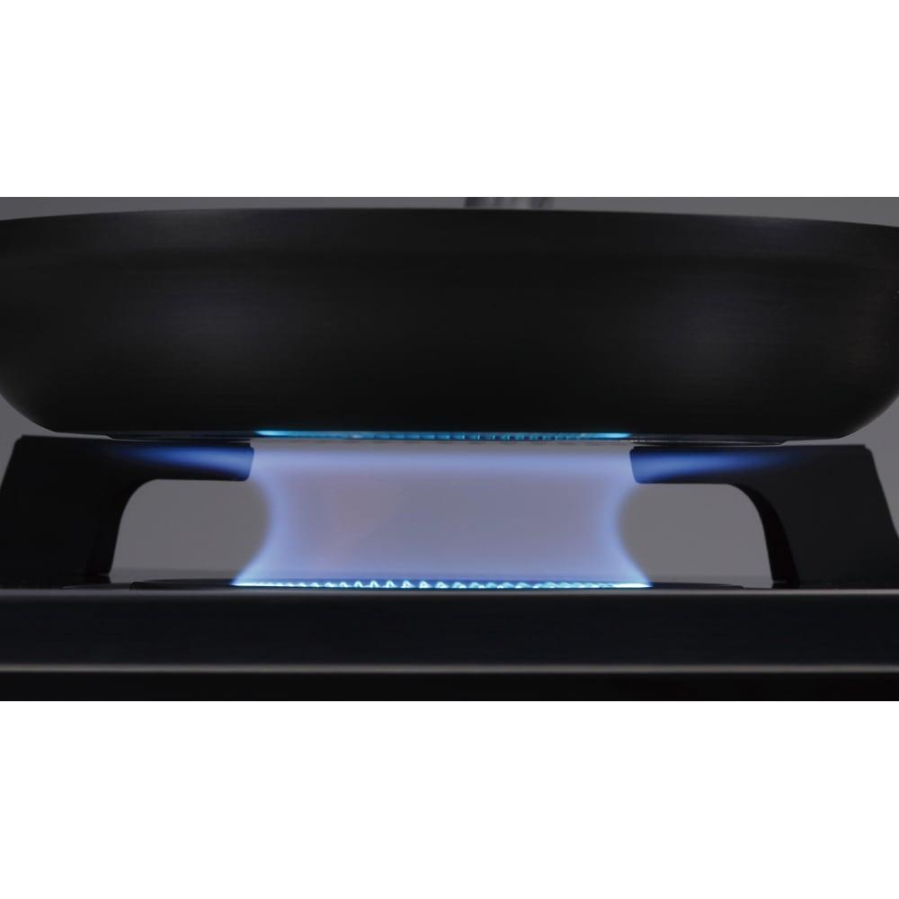 アモルフォ プレミアム 内炎式(本品) 内側に向けて炎が出る構造の内炎式バーナーでガスを無駄なく使えます。従来の外炎式バーナーに比べて約16%省エネに。