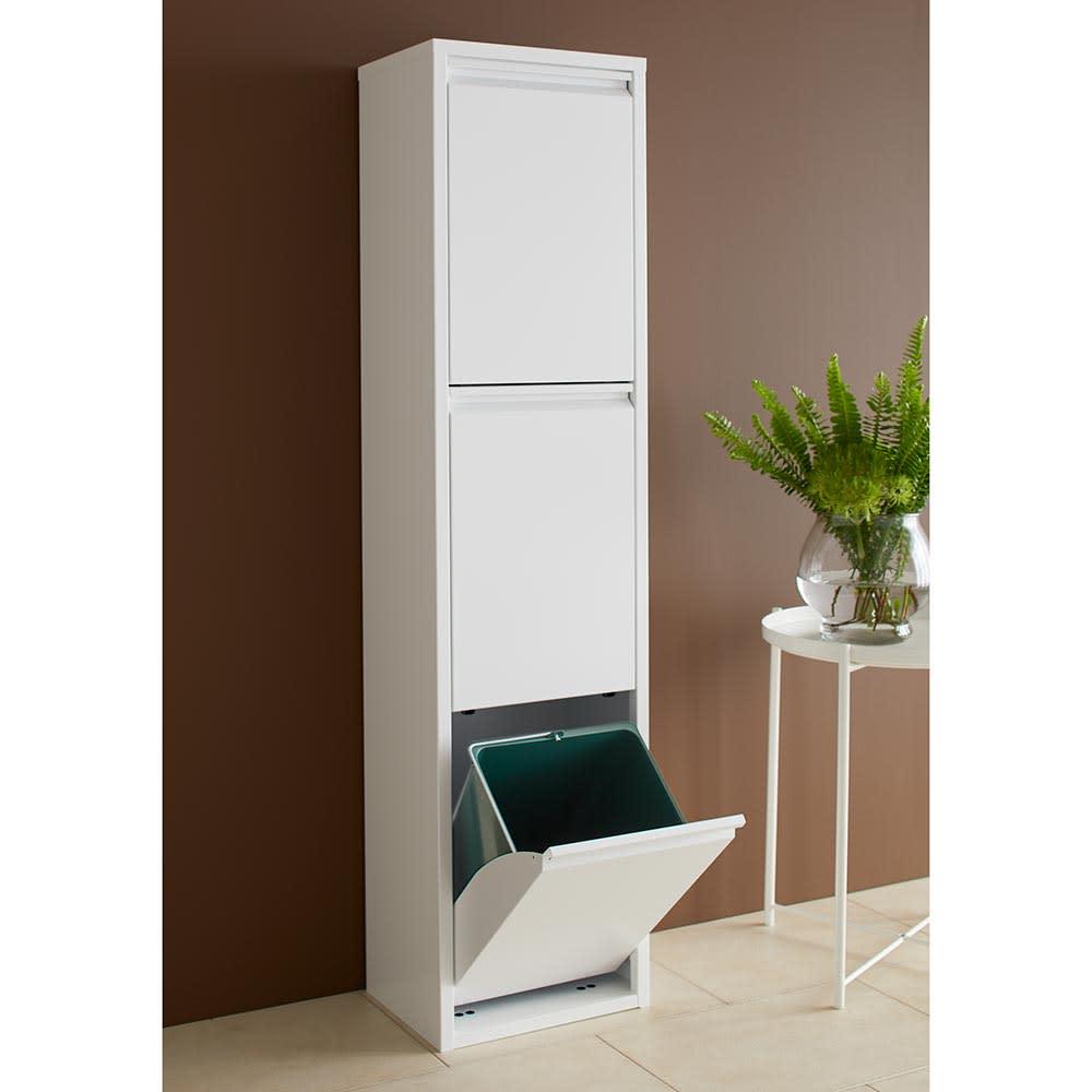 DOTTUS/ドッタス ダストボックス3段(3分別ゴミ箱)幅34cm奥行24cm高さ136cm キッチンに定番のホワイトも、内部のペールが洒落たカラーで、キッチンでの時間を楽しく演出します。