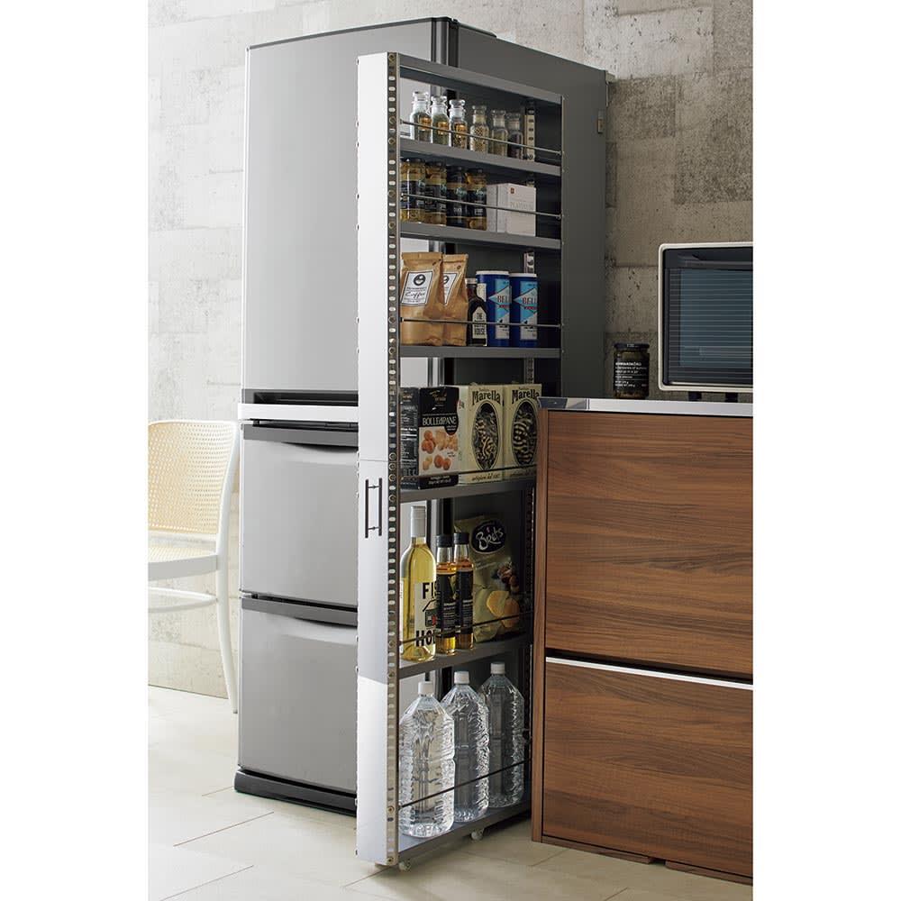 ステンレス製キッチンすき間収納ワゴン ハイタイプ(高さ159cm)幅15cm奥行60.5cm 小さな隙間も大量収納スペースに変えるアイデアアイテム。クリーンなステンレスを使用して、清潔感あふれるキッチンに。