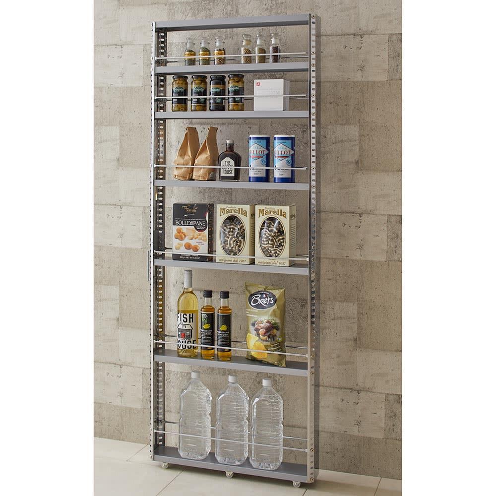 ステンレス製キッチンすき間収納ワゴン ハイタイプ(高さ159cm)幅15cm奥行60.5cm 薄型でもたっぷりの収納力で、行き場に困っていた食品ストックもまとめて収納が可能です。
