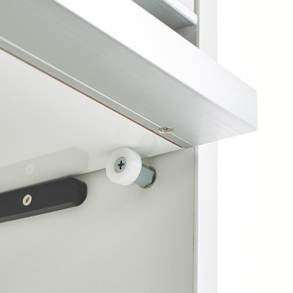 Ymir/ユミル 隠せる家電収納 幅60奥行55cm高さ178cm 2.3段目のフラップ扉は手前に引き出して上部に収納できる構造。開けたままにできるのが便利です。