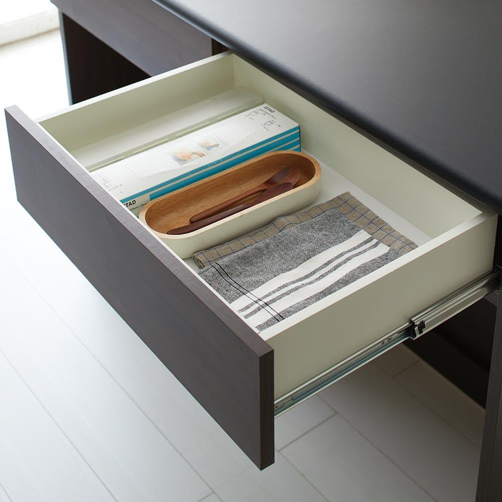 Ruffalo/ラファロ 間仕切りキッチンカウンター 幅120cm高さ85cm ゴミ袋やキッチン小物は引き出しに。迷子になりやすい細々した物をまとめて管理できます。