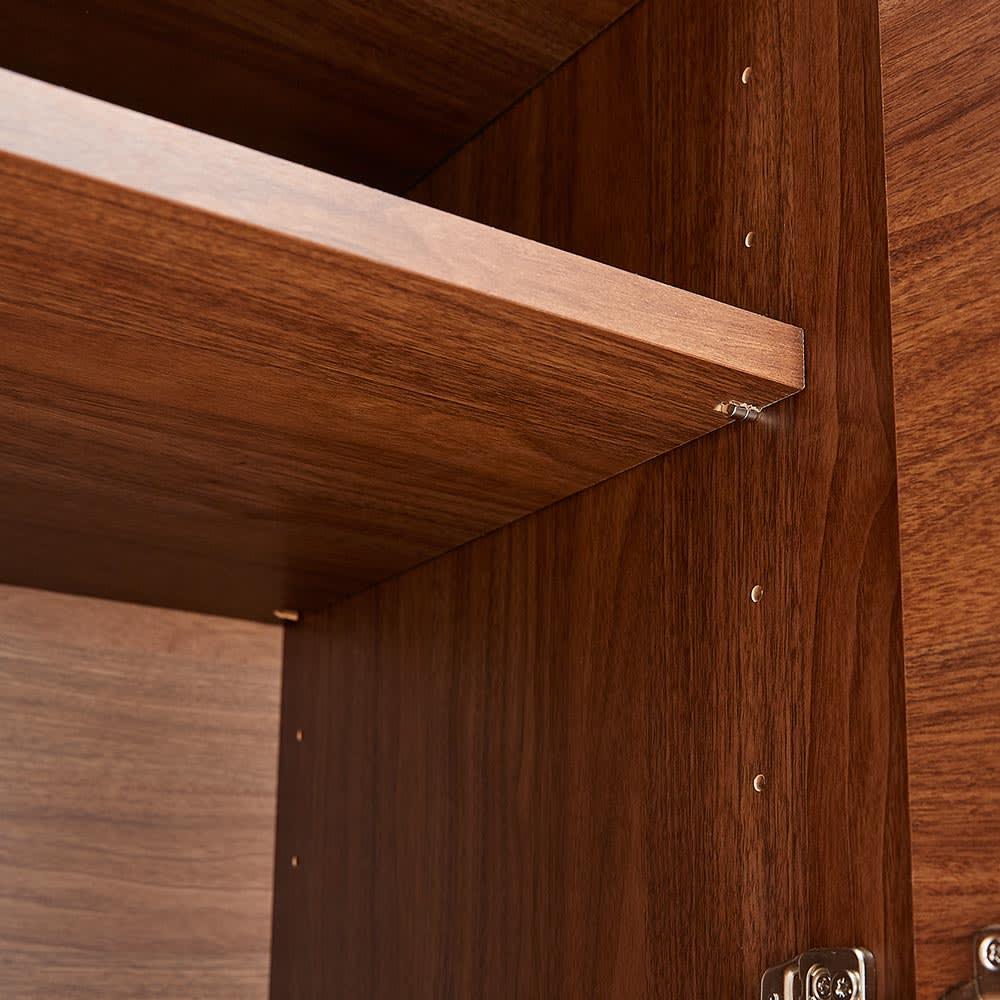 Lana/ラナ ステントップボード カップボード 扉収納内の可動棚は6cmピッチで高さ調節できます。