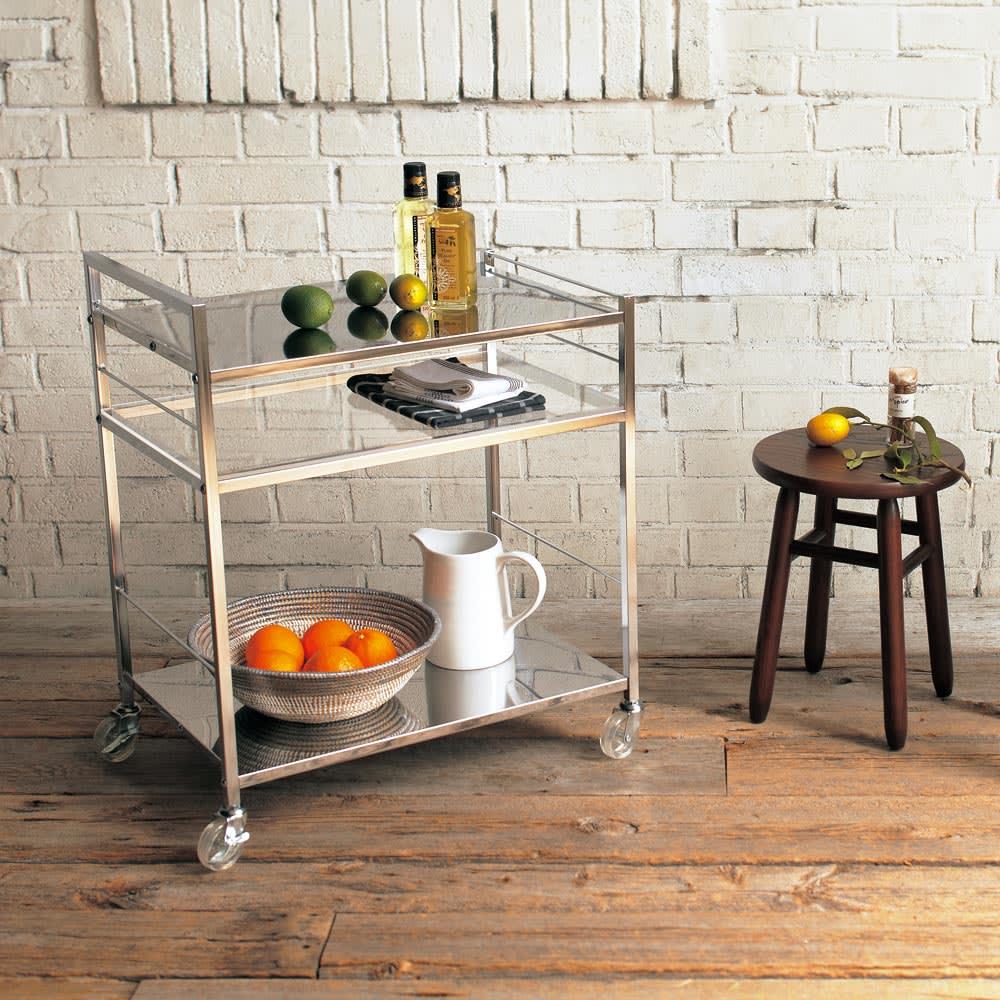 ステンレス製キッチンワゴン 幅43.5cm キャスター付なので自由に動かせます。