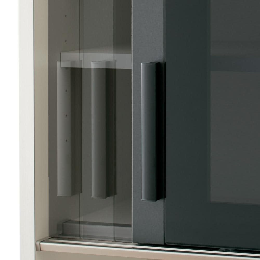 Boulder/ボルダー 石目調天板キッチンシリーズ カウンター 幅120cm 奥行50cm 引き戸はゆっくり引き込まれるソフトクロージング仕様。