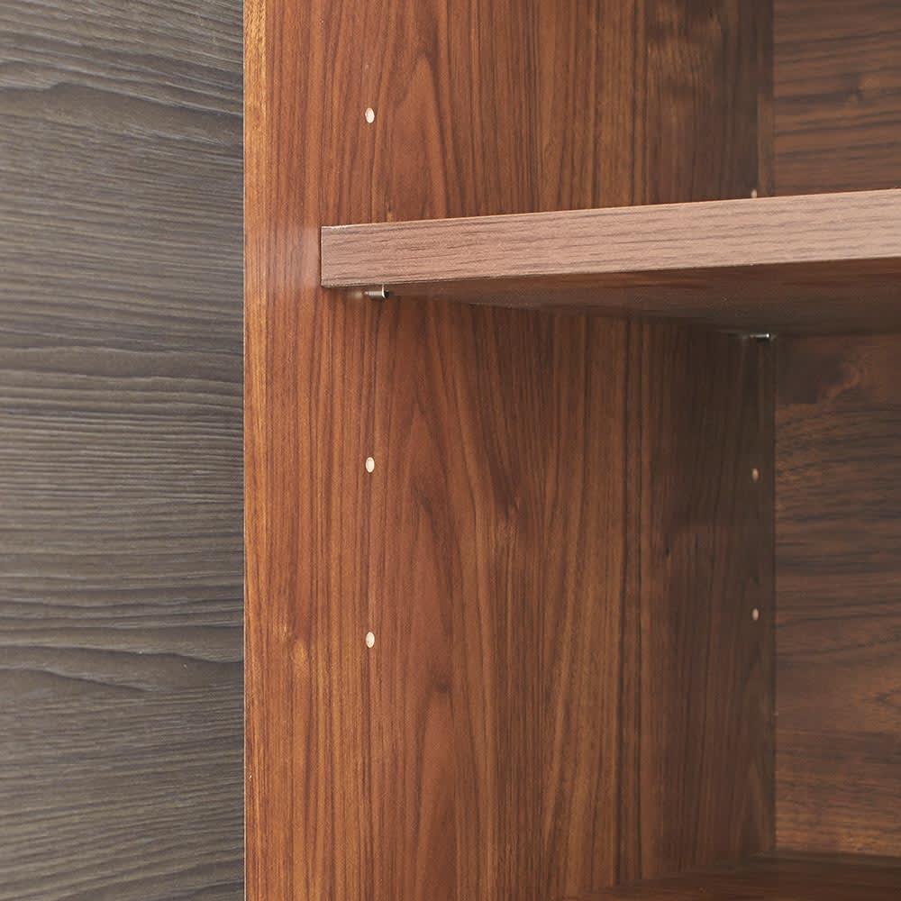 Milovy/ミロヴィ キッチンボード カップボード 幅66cm 扉内の棚板は6cmピッチで高さ調整できます。