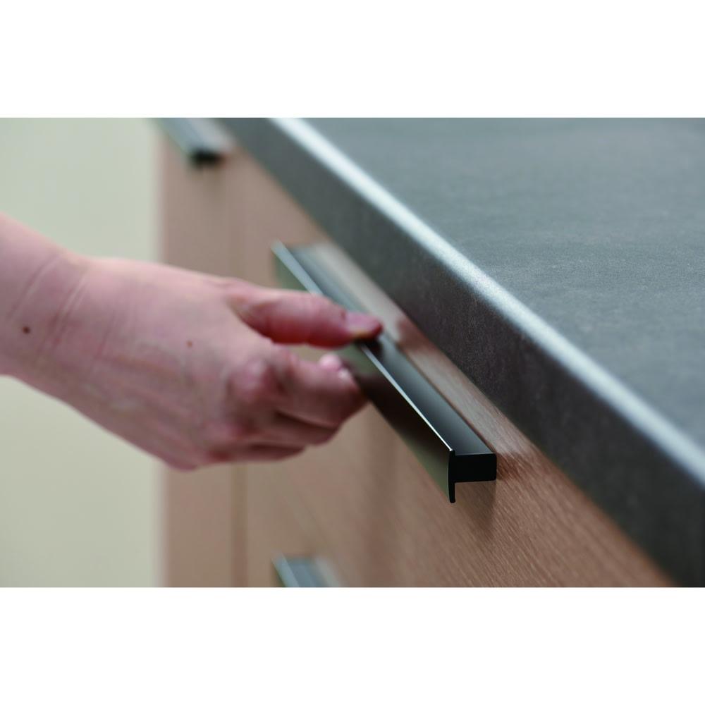 Boulder/ボルダー 石目調天板キャスター付きカウンター 幅120cm 幅広で使いやすい取っ手を採用。