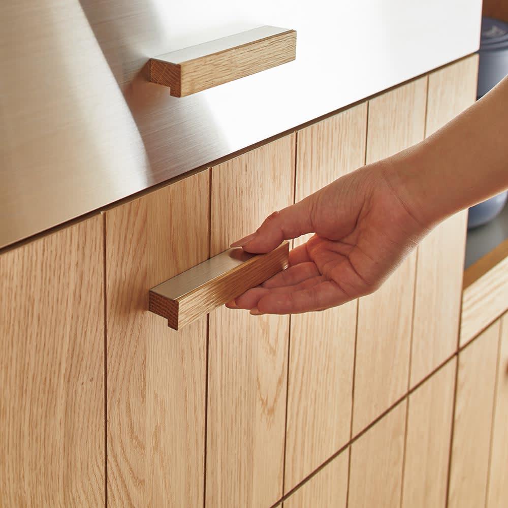 Torua/トルア キッチンボード 幅120cm カウンター 一段目の引出し前板にもステンレスを使用。傷が目立ちにくいヘアライン加工をしてあります。