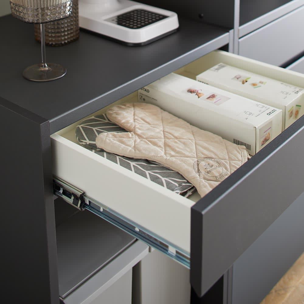 Enkel/エンケル キッチンシリーズ 幅72cm オープンカウンター ラップ類や調理グッズ、カトラリーの収納にぴったり。フルスライドレールなのでなめらかに引き出すことができます