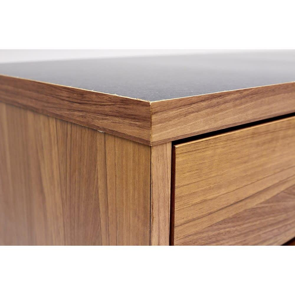 Granite/グラニト アイランド間仕切りキッチンカウンター幅120cm 引き出しタイプ イタリアモダンを意識した、重厚感とシャープさを持たせたデザイン。引き出しのスクエアフォルムがキッチンをすっきりと見せます。