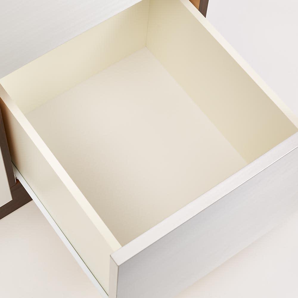 Liam/リアム キッチンカウンター 家電収納 幅161cm 高さ85cm 引出し内部は汚れに強くて美しい化粧仕上げ。引出し内部は清潔感あふれるホワイト。