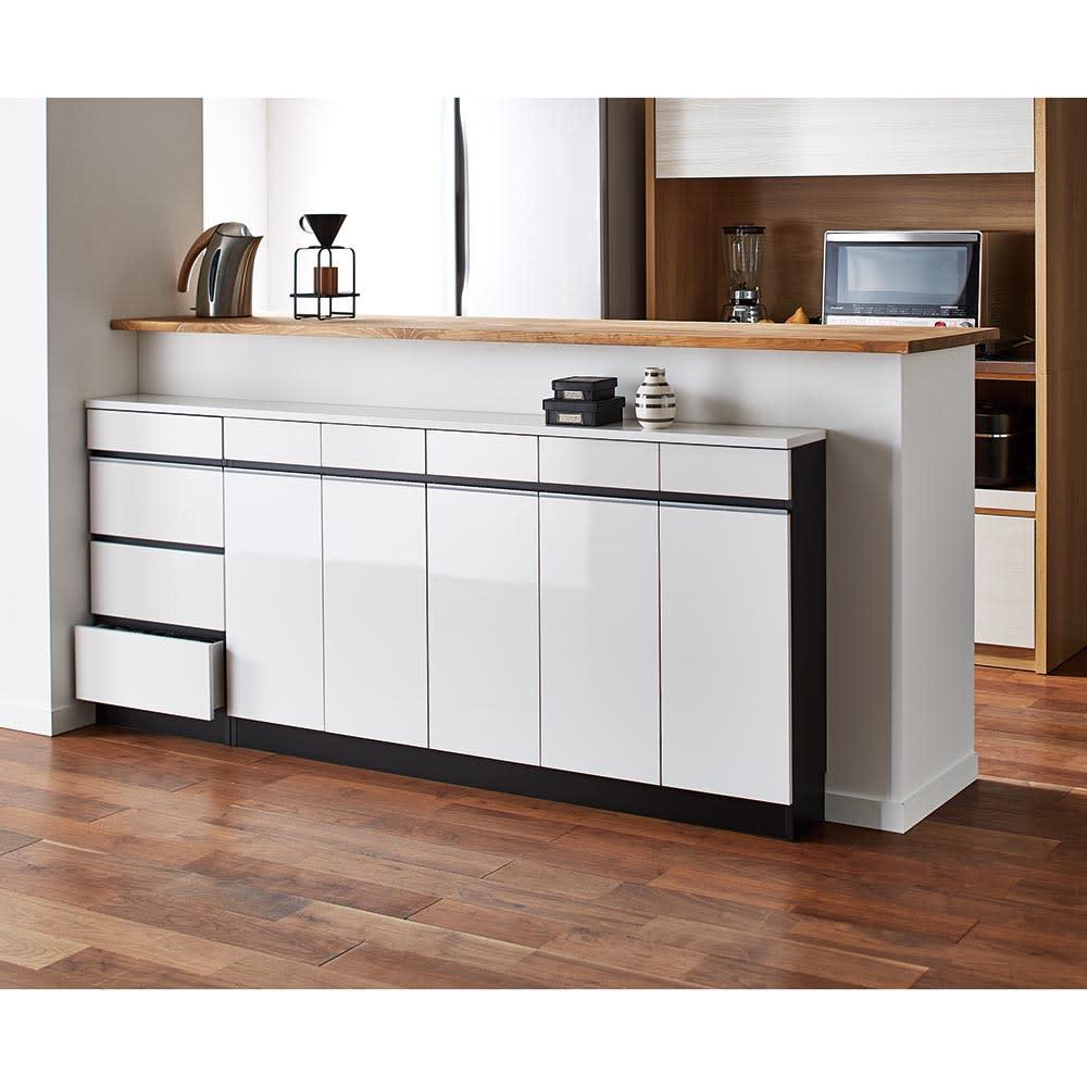 Peili/ペイリ カウンター下収納庫 引き出し幅44cm 奥行29.5cm (イ)ホワイト。高級感あふれる光沢とアルミラインのモダンデザイン