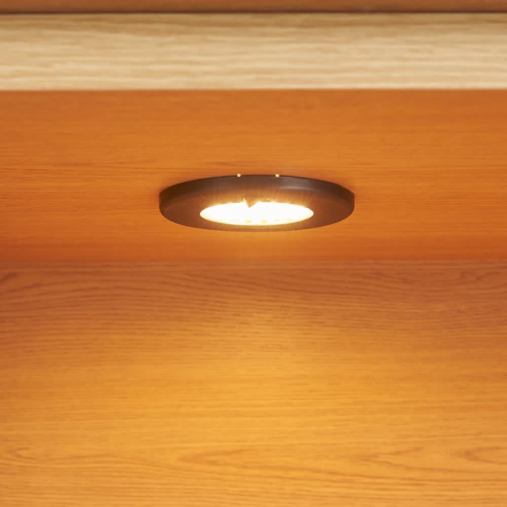 LEDライト付きサイドボードシリーズ LEDサイドボード 幅80cm 収蔵品を照らすLEDダウンライト。