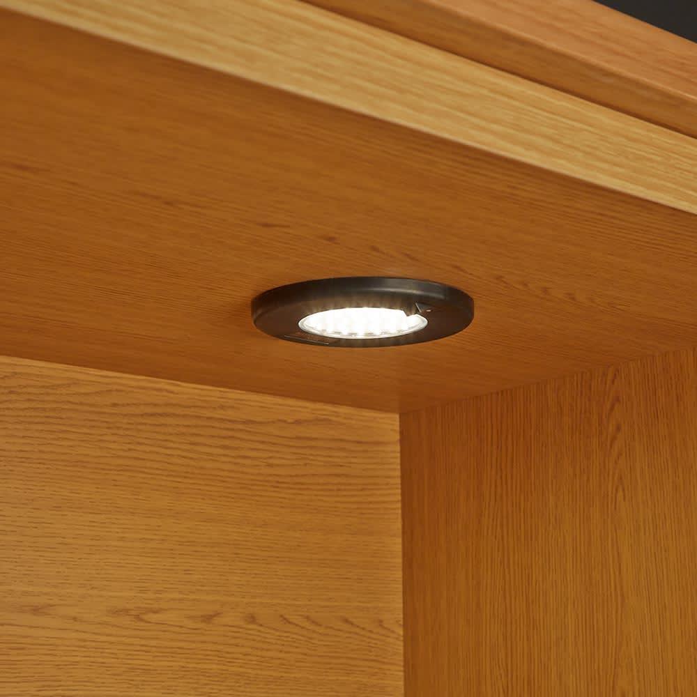 LEDライト付きサイドボードシリーズ LEDキャビネット 幅80cm コレクションが引き立つ、LEDダウンライト付きのリビングボードです。