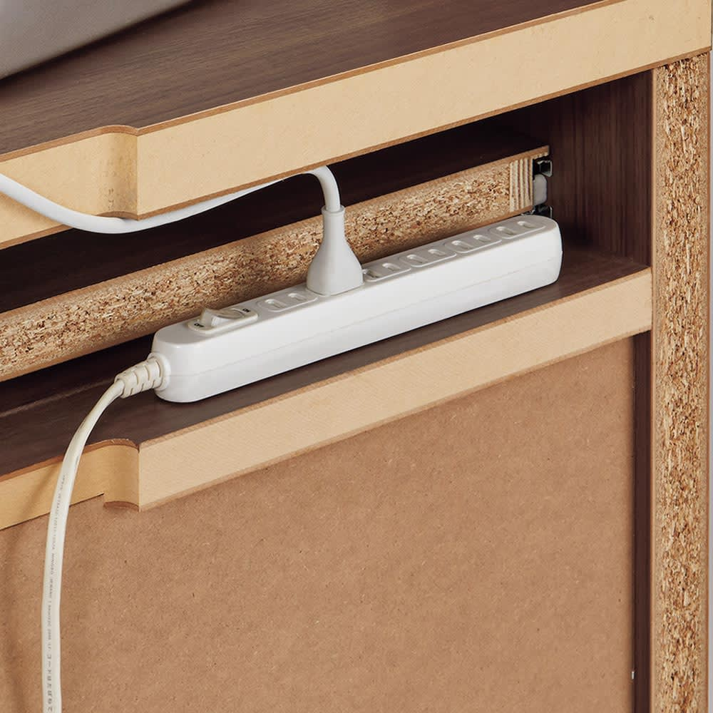 Antisala/アンティサラ パソコンデスク パソコンデスク 幅81 電源タップは背面の収納部分に。