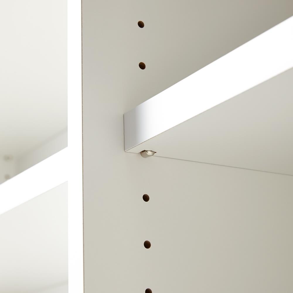 Evan(エヴァン) スライドシェルフ ハイタイプ本棚 幅90cm 棚ダボは3cmピッチで調節が可能です。