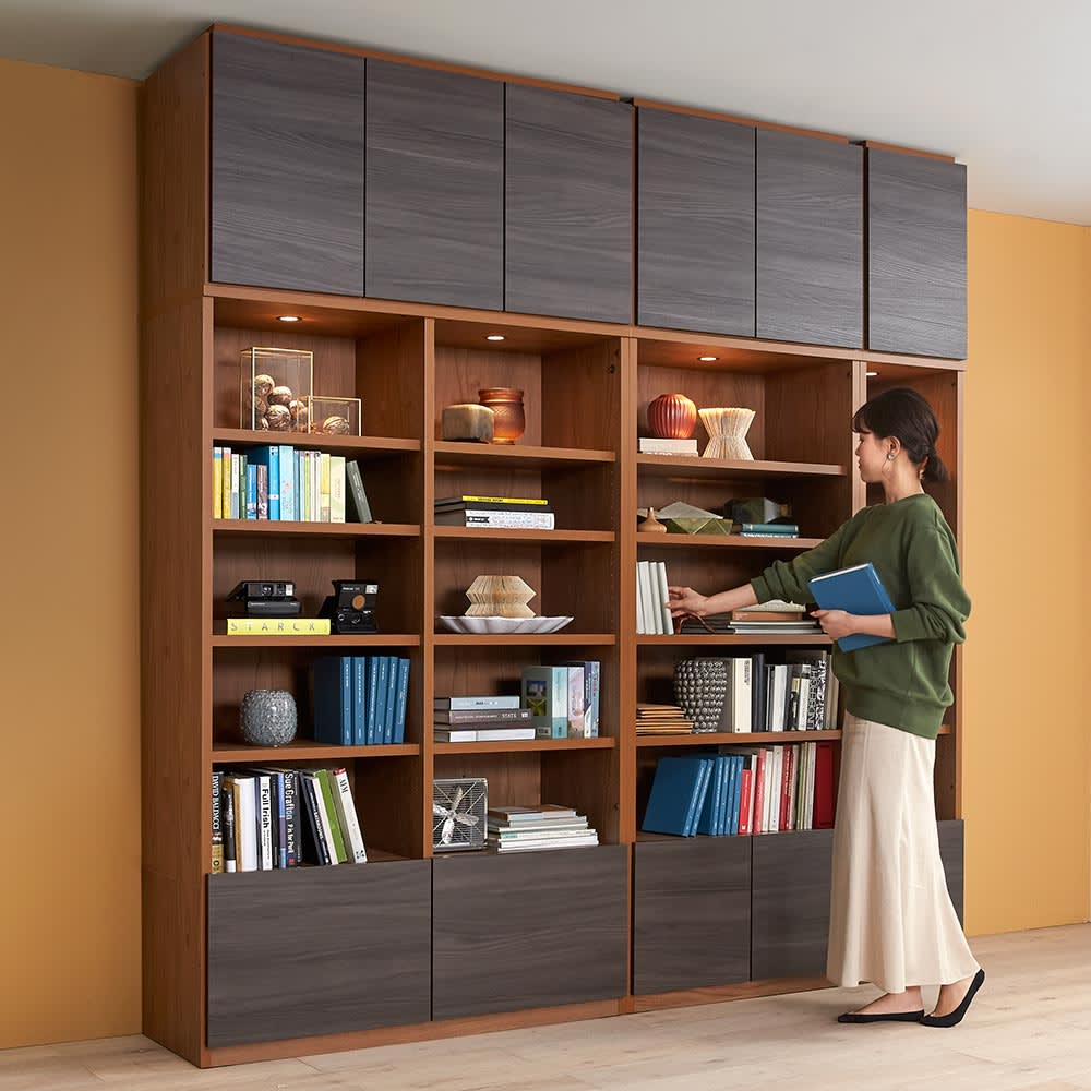 K´astani/カスターニ バイカラーコレクション本棚 本体 奥行35cm・幅40.5 高さ180cm コーディネート例※お届けは幅117.5cmです。