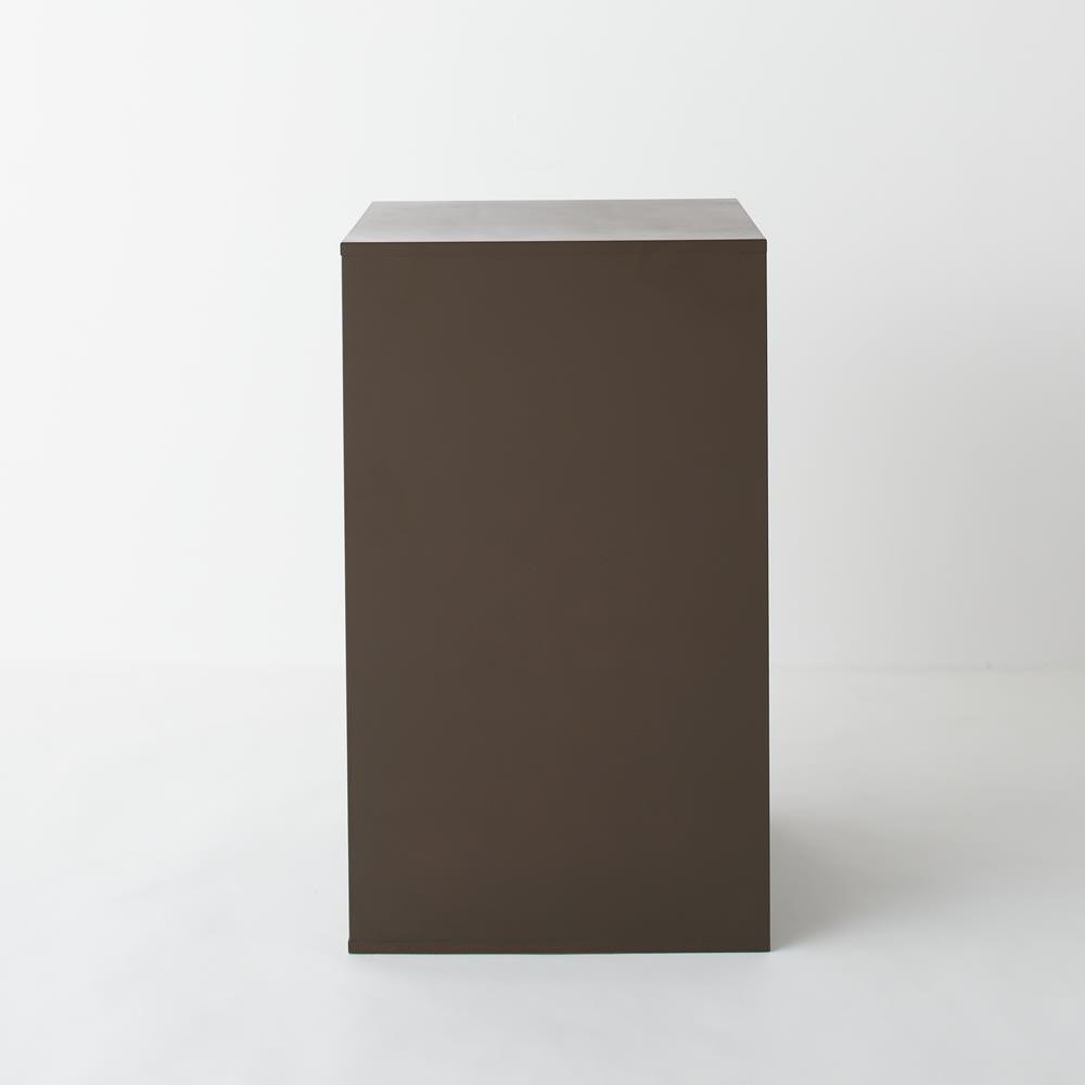 PortaII/ポルタ 多目的収納シリーズ 4段チェスト 背面まで化粧仕上げしているので部屋の真ん中にも設置出来ます。