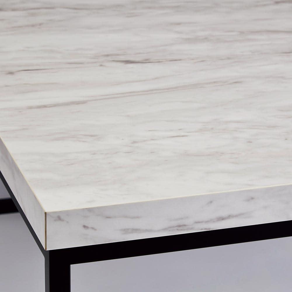Marbrim/マーブリム 大理石調テーブルシリーズ コンソール 石目調の天板とブラックスチール脚のコントラストがシックな輝きを添えます。