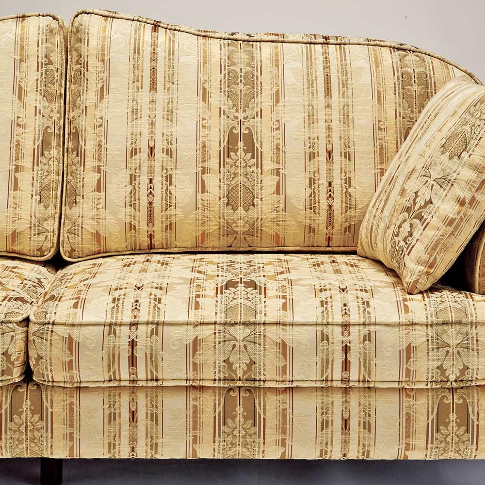 Rayures/ラユレス クラシックソファ トリプル 模様途切れずがつながるよう丁寧に縫製。