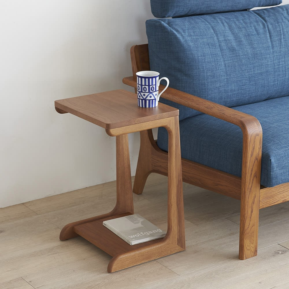 a tempo/アテンポ オーク天然木 ソファサイドテーブル 幅36cm 使用イメージ