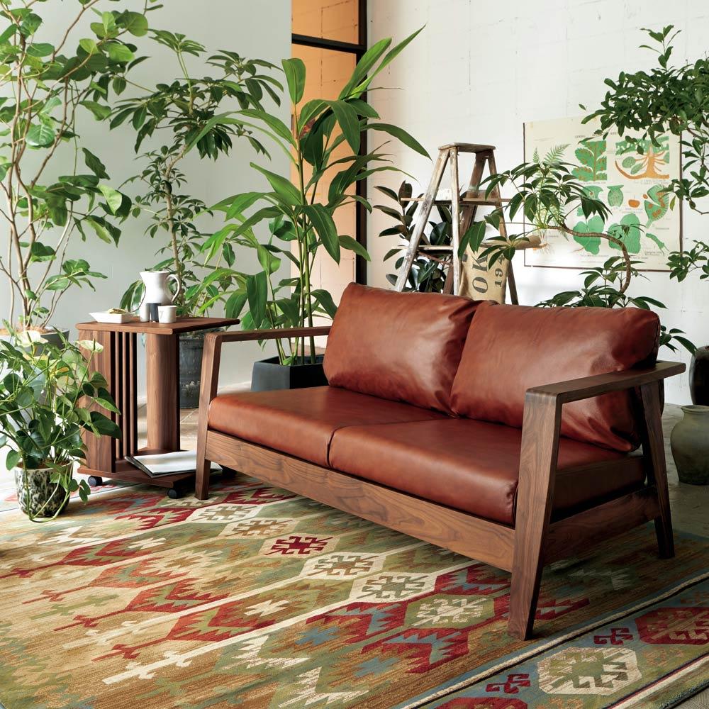 Pamir/パミール エジプト製ウィルトン織ラグ コーディネイト例 ※写真は約200×250cmサイズです。