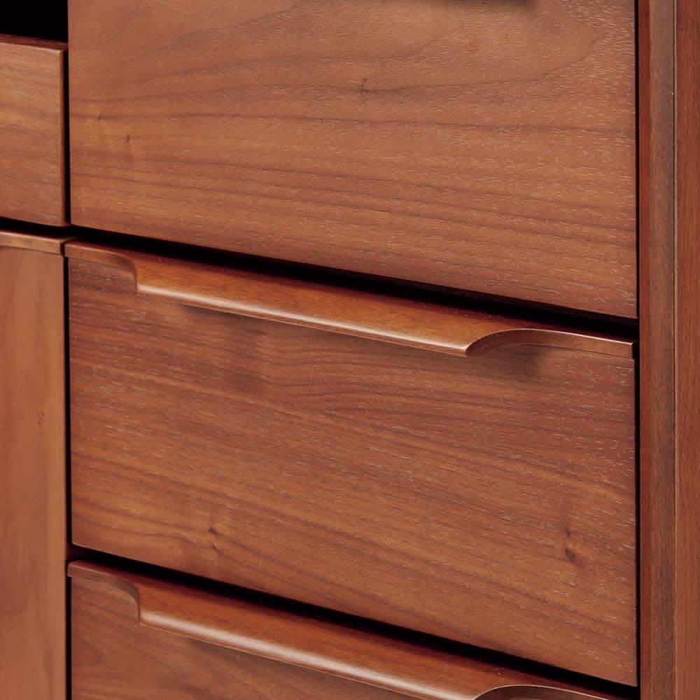 Jalka/ヤルカ ウォルナットシリーズ テレビボード 幅150cm 取っ手は上質な天然木製。美しいアール型のデザインも魅力。