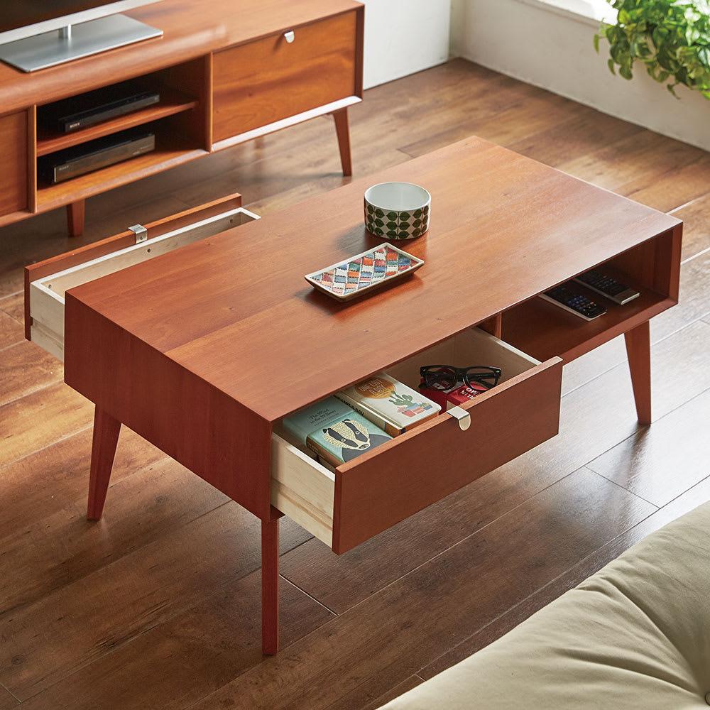 北欧ヴィンテージ風Vカットデザイン リビングテーブル・センターテーブル 幅105cm テーブル下の棚と引き出しに、リモコンやリビング小物などをすっきり収納。引き出しは両サイドから出せます。