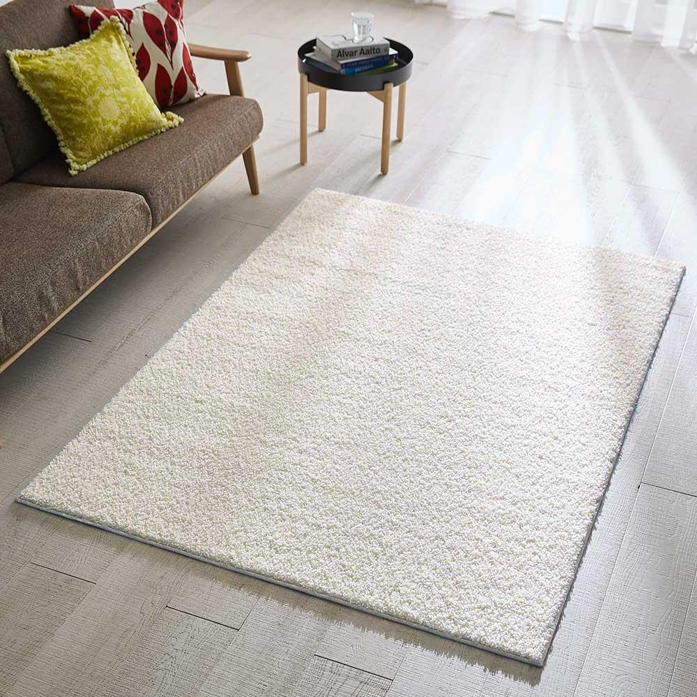 日本製ナイロン100%洗えるツイストシャギーラグ (オ)エクリュ ※写真は約140×200cmです。