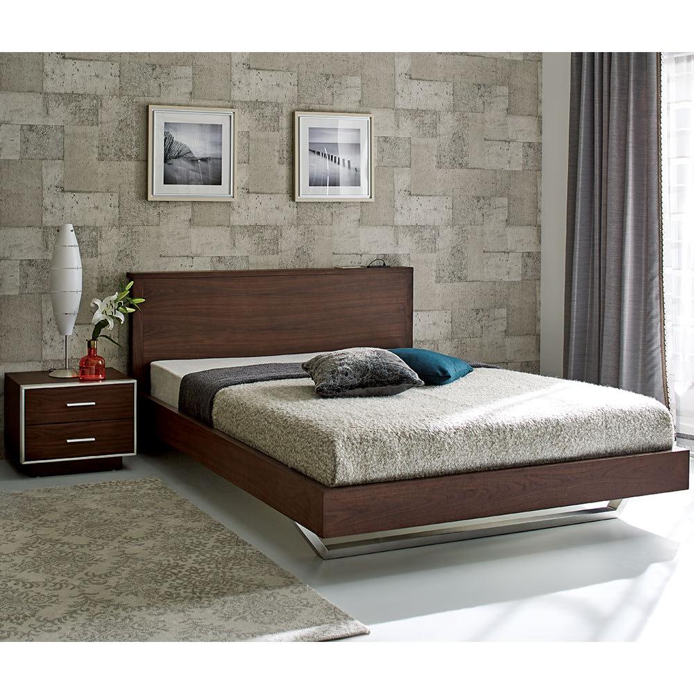 GlanPlus/グランプラス ナイトテーブル クールモダンなデザインにUSB 充電も装備した都会派ベッド