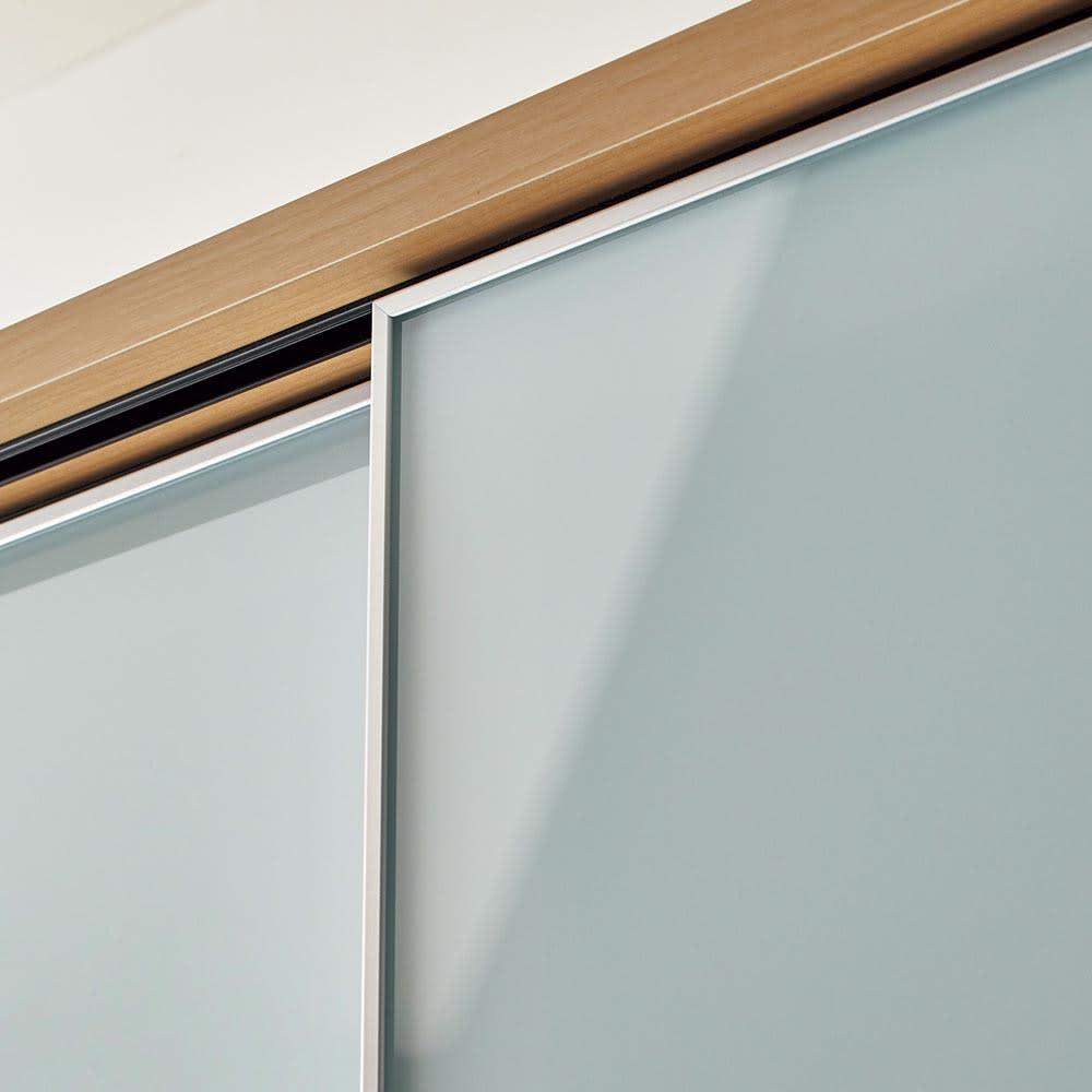 Milath/ミラス スライドワードローブ ガラス扉タイプ 幅80.5cm 輝きのあるアルミフレームがミラーやガラスと美しく調和。