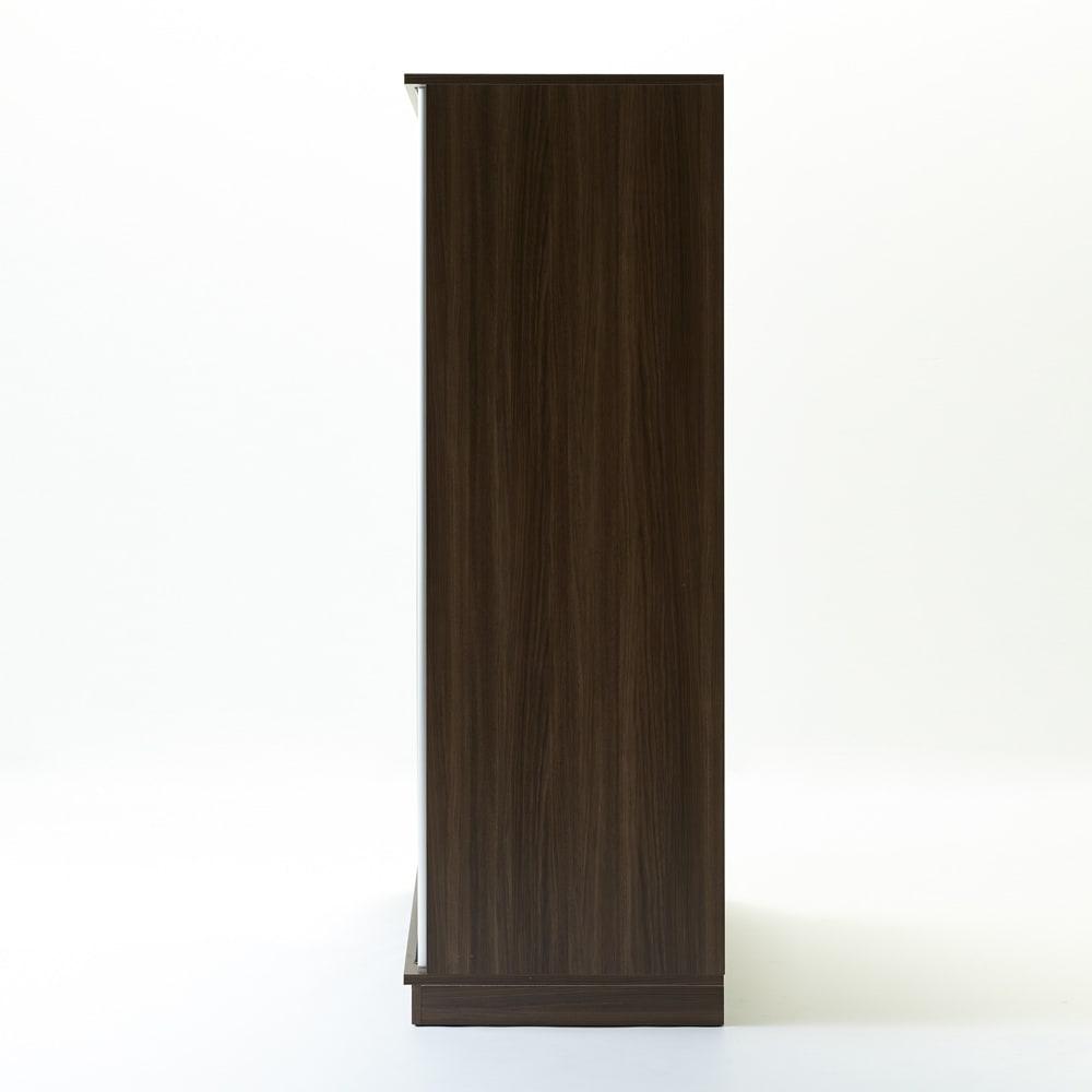 Milath/ミラス スライドワードローブ ガラス扉タイプ 幅100.5cm 奥行は60cm。たっぷり収納力でも扉の開閉スペースが不要のため、無理なく設置できます。