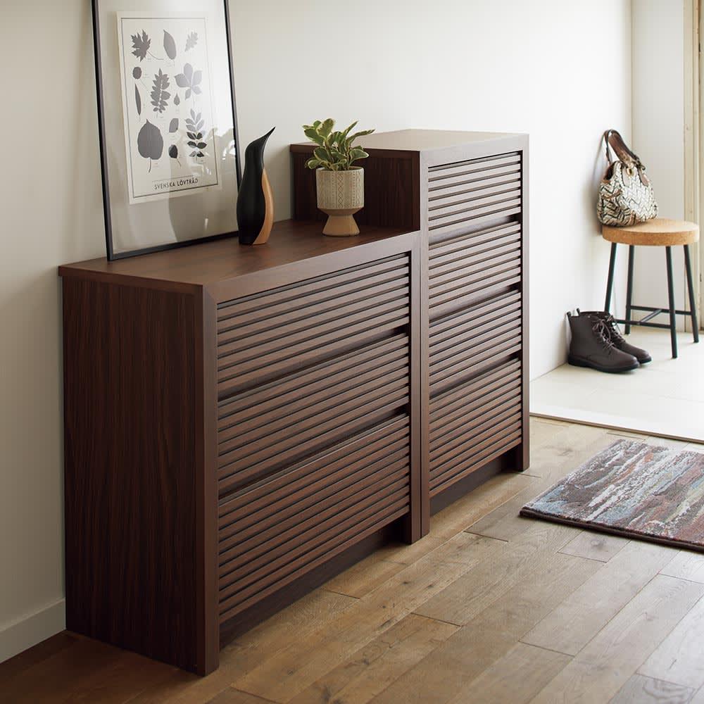 Maisema/マイセマ ウォルナット格子チェスト 幅100cm・4段(高さ90.4cm) 奥行36.5cmのスリムサイズ。廊下やリビングの隅など設置場所の選択肢も広がります。