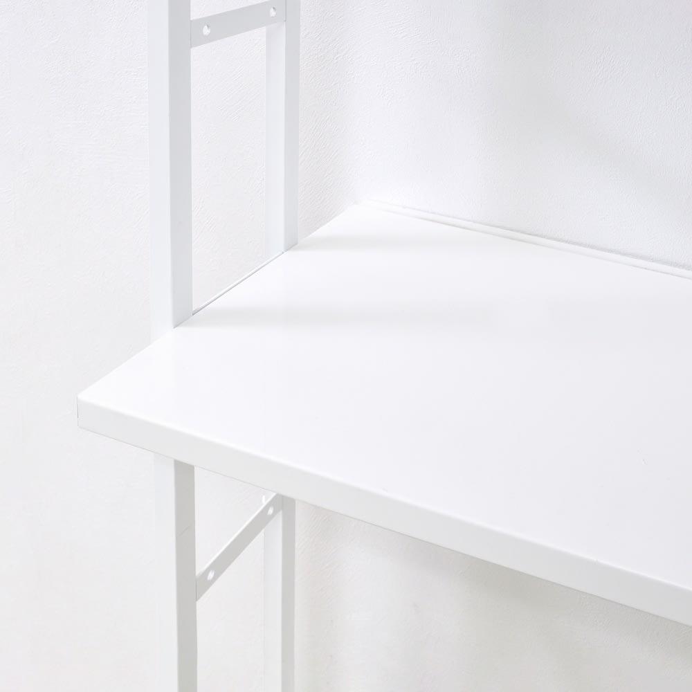 Struty(ストラティ) ラックシリーズ ハンガー2本&棚3段・幅70cm 棚板は収納物に合わせて高さが変えられる可動式です。