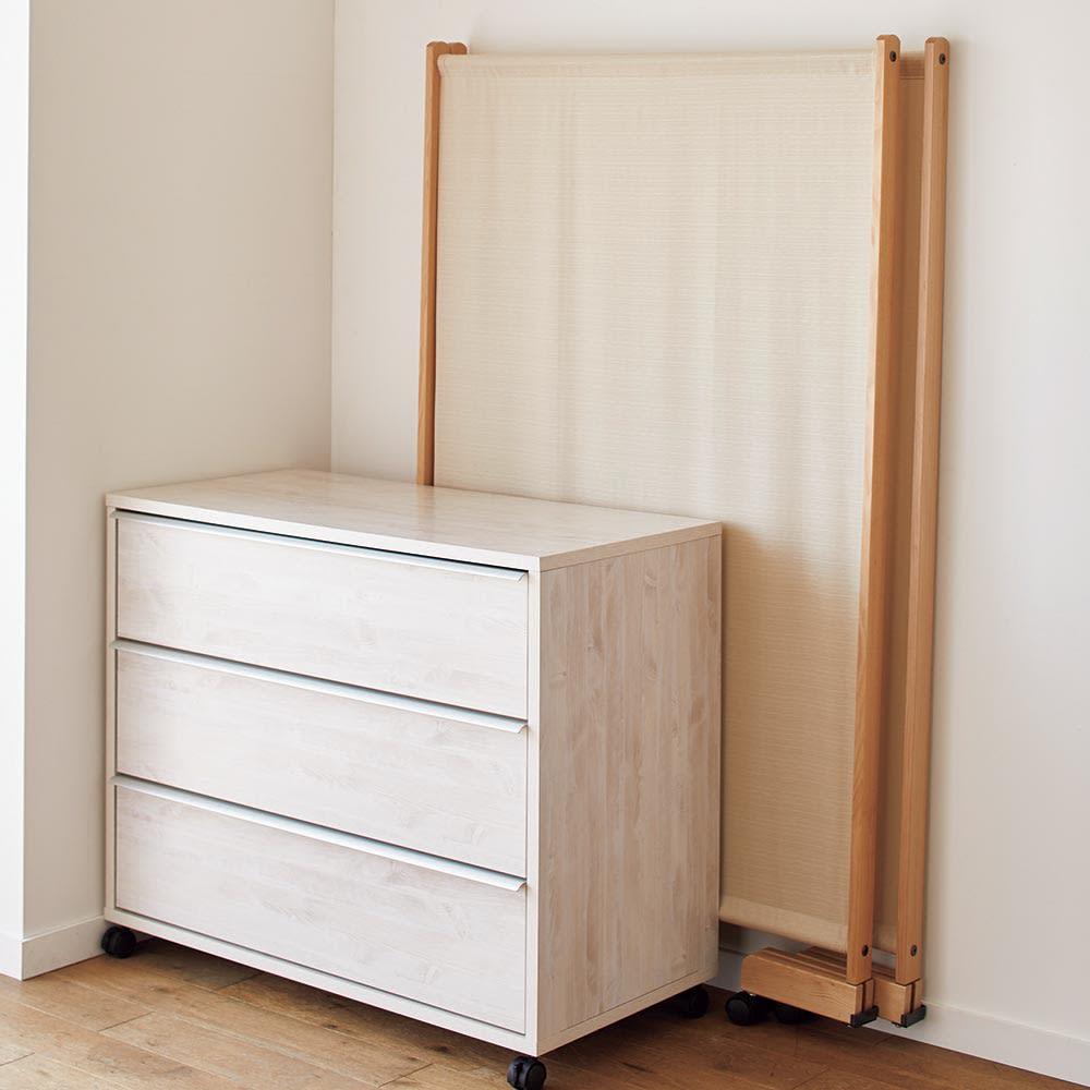 Cloison/クロイソン キャスター付きパーテーション 高さ150cm 2連 使わないときは家具の間などちょっとしたすき間にしまって。