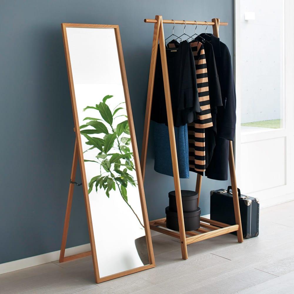 Incery(インサリー) 天然木製ハンガーラック 幅80cm ナチュラル シリーズ品のミラーと組み合わせてコンパクトなワードローブが作れます。(写真左:スリムミラー幅44cm)