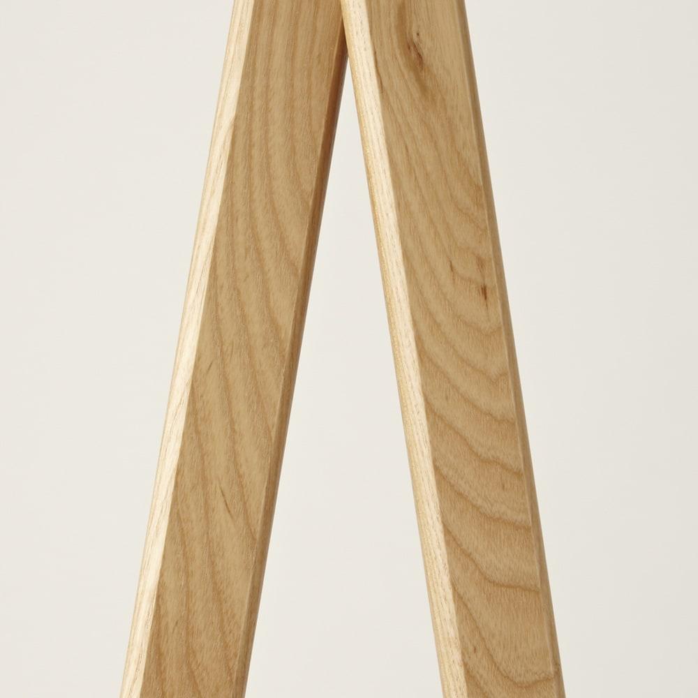 Incery(インサリー) 天然木製ハンガーラック 幅80cm ナチュラル ホワイトアッシュの木目を生かした素材感を楽しめる仕上げです。